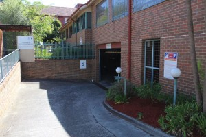 Cambridge St Collingwood car park entry